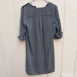 LOFT Dresses - LOFT Ann Taylor size small shirt dress navy